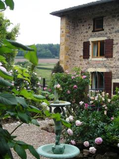 4 bedroom Farmhouse Barn with Internet Access in Saone-et-Loire - Saone-et-Loire vacation rentals