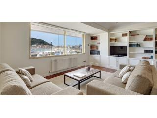 Playa de La Concha 3 | Exclusive, in front of La Concha Beach - San Sebastian vacation rentals