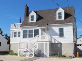 Property 100178 - McKeon 100178 - Long Beach Township - rentals