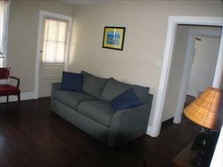 Cozy 2 bedroom Apartment in Wildwood with A/C - Wildwood vacation rentals