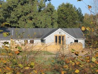2 bedroom Cottage with Internet Access in Woodbridge - Woodbridge vacation rentals