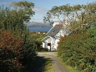 Bright 2 bedroom Cottage in Ardgroom with Internet Access - Ardgroom vacation rentals