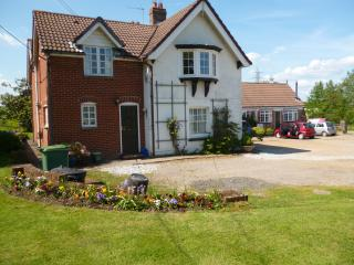 Grange Farm,Wootton,Ryde,Isle of Wight P O 33 4R W - Wootton vacation rentals