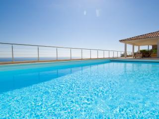 Luxury house with breathtaking view ! - Sari-Solenzara vacation rentals