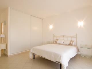 5 bedroom House with Internet Access in Sari-Solenzara - Sari-Solenzara vacation rentals