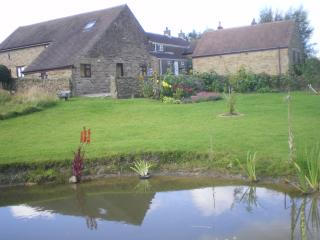 Lovely Cottage with Internet Access and Television - Cutthorpe vacation rentals