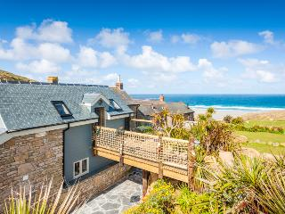 Sandpipers, a romantic cottage by the beach with superb sea views - Sennen vacation rentals