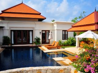 Wonderful 5 bedroom Bang Tao Beach Villa with Internet Access - Bang Tao Beach vacation rentals