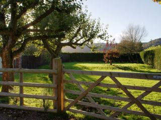 Lovely Cottage with Dishwasher and Kettle - Little Malvern vacation rentals