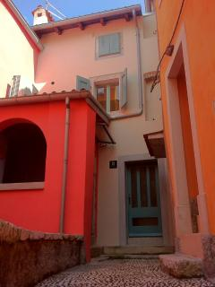 Small house in historic centre of Cres - Cres vacation rentals