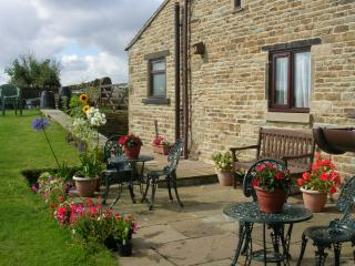 1 bedroom Cottage with Internet Access in Cutthorpe - Cutthorpe vacation rentals