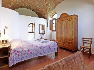 Weingut Podere Cortilla - La Stalla - Volterra vacation rentals