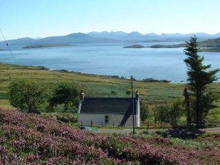 Comfortable 2 bedroom Achiltibuie House with Local Guides - Achiltibuie vacation rentals