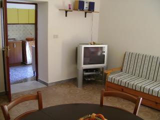 Appartamento centro storico Giungano - Giungano vacation rentals