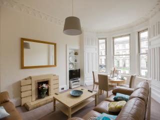 3 Bedroom Apartment Accommodating up to 6 People - Edinburgh vacation rentals