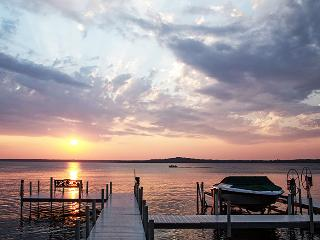 Exceptional 3BR Nisswa Log Cabin at Gull Haven- Great Location on the Premier East Shore of Gull Lake - Nisswa vacation rentals