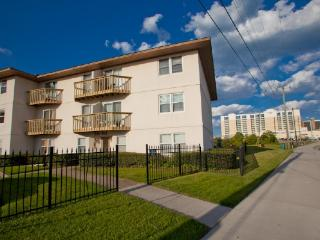 Nice Condo with Internet Access and Television - Virginia Beach vacation rentals