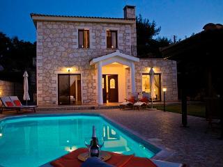Charming 3 bedroom Lysos Villa with Internet Access - Lysos vacation rentals
