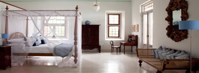 Bright 5 bedroom Ahangama Villa with Internet Access - Ahangama vacation rentals