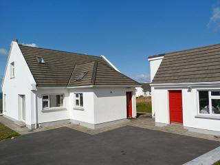 4 bedroom Cottage with Parking Space in Dugort - Dugort vacation rentals