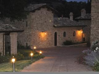 2 bedroom Cottage with Internet Access in Camerino - Camerino vacation rentals