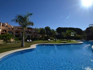Nice Condo with A/C and Shared Outdoor Pool - Marbella vacation rentals