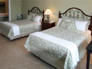 Beachside Inn - 2 Queen Beds - Destin vacation rentals