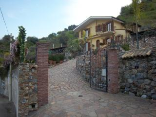 VILLA BELLA Private Exclusive Villa with Pool! - Taormina vacation rentals