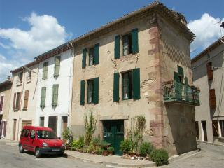 Nice House with Internet Access and Satellite Or Cable TV - Saint-Chinian vacation rentals