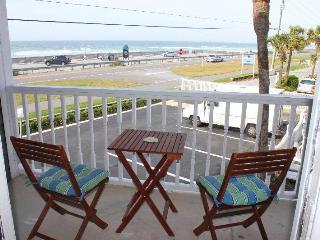 Romantic 1 bedroom Apartment in Miramar Beach with Deck - Miramar Beach vacation rentals