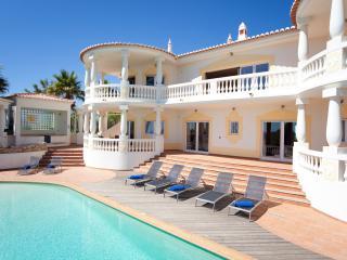 Villa Palmeiras - Budens vacation rentals