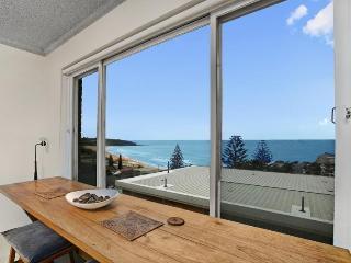 Perfect 2BR getaway with a view - Sydney Metropolitan Area vacation rentals