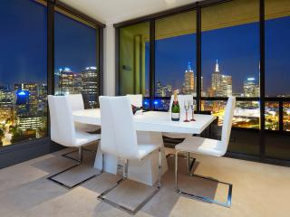 Platinum Vogue -Most Coveted Location In Melbourne - Melbourne vacation rentals