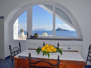 Cozy 2 bedroom Condo in Panarea with A/C - Panarea vacation rentals