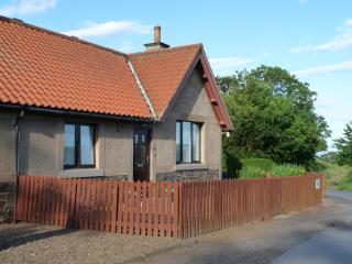 Nice 2 bedroom Cottage in Coldingham with Internet Access - Coldingham vacation rentals