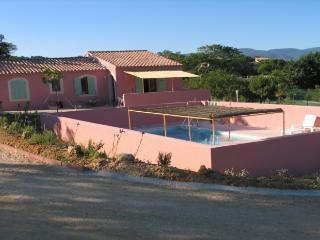 Maison dans le Luberon avec piscine et tennis - Apt vacation rentals