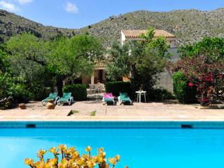 2 bedroom Villa in Pollenca, Mallorca : ref 2132244 - Cala San Vincente vacation rentals