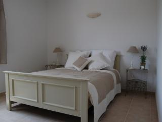 2 bedroom House with Dishwasher in Pont Royal - Pont Royal vacation rentals
