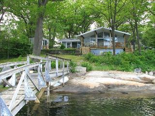 Changing TIdes: Direct waterfront cottage on Mill River in Gloucester! - Gloucester vacation rentals