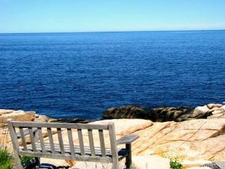 Pigeon Cove: Direct waterfront gem and only 1 mile from the beach! - Rockport vacation rentals