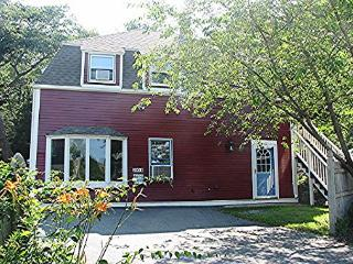 Little Red House: 0.2 miles to Gloucester's historic Stage Fort Park & beach! - Gloucester vacation rentals