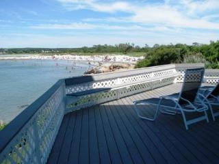 Cool Cove: Wingaersheek Beach plus your own private beach & all those views! - Gloucester vacation rentals