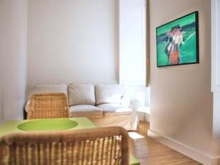 Lisboa: Almada 3A - 23488/AL - Palmul vacation rentals