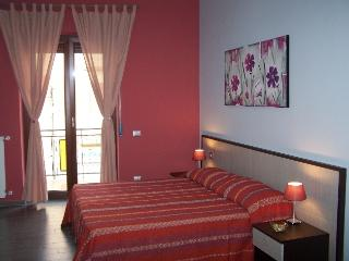 3 bedroom Bed and Breakfast with Internet Access in Pompeii - Pompeii vacation rentals