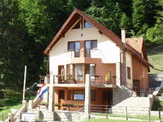 Casa 0landeza - Brasov vacation rentals