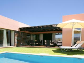 Comfortable 3 bedroom Villa in Maspalomas with Internet Access - Maspalomas vacation rentals