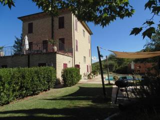 2 bedroom Condo with Internet Access in Montalto delle Marche - Montalto delle Marche vacation rentals