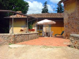 Lovely House with Deck and Internet Access - Monteriggioni vacation rentals
