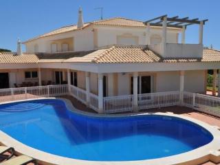 Villa Paddy V5 - Branqueira vacation rentals