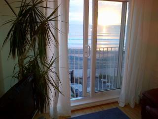 Chwerthin Y Mor Beach House - Tywyn vacation rentals